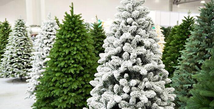 gamma completa di alberi di Natale articifiali