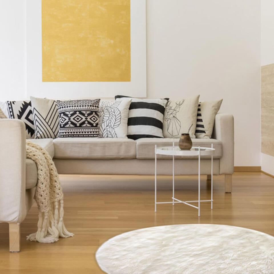 salon avec tapis rond