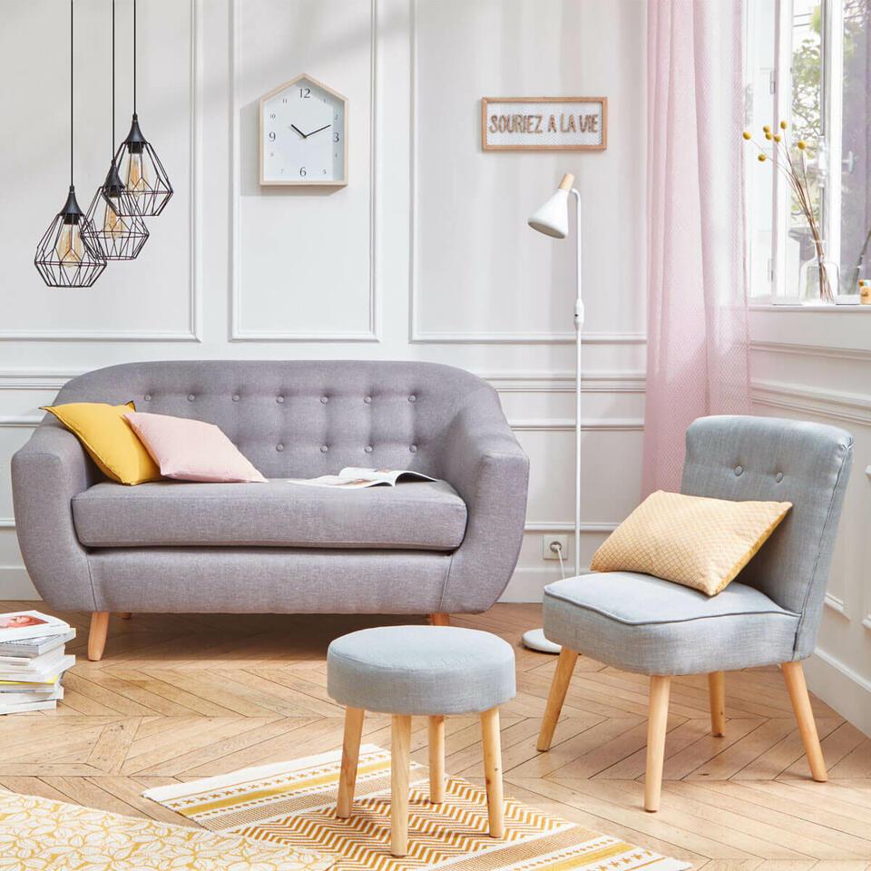 petit salon couleurs claires