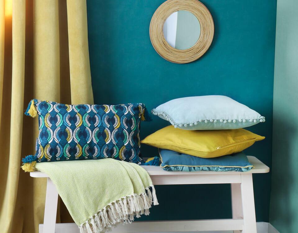 décorations textiles bleu vert jaune