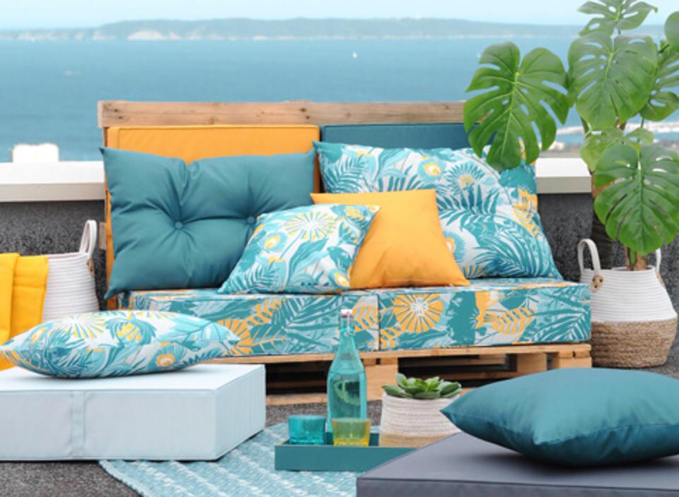 salon de jardin palette avec coussin imperméable