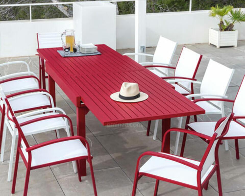 table de jardin en aluminium rouge