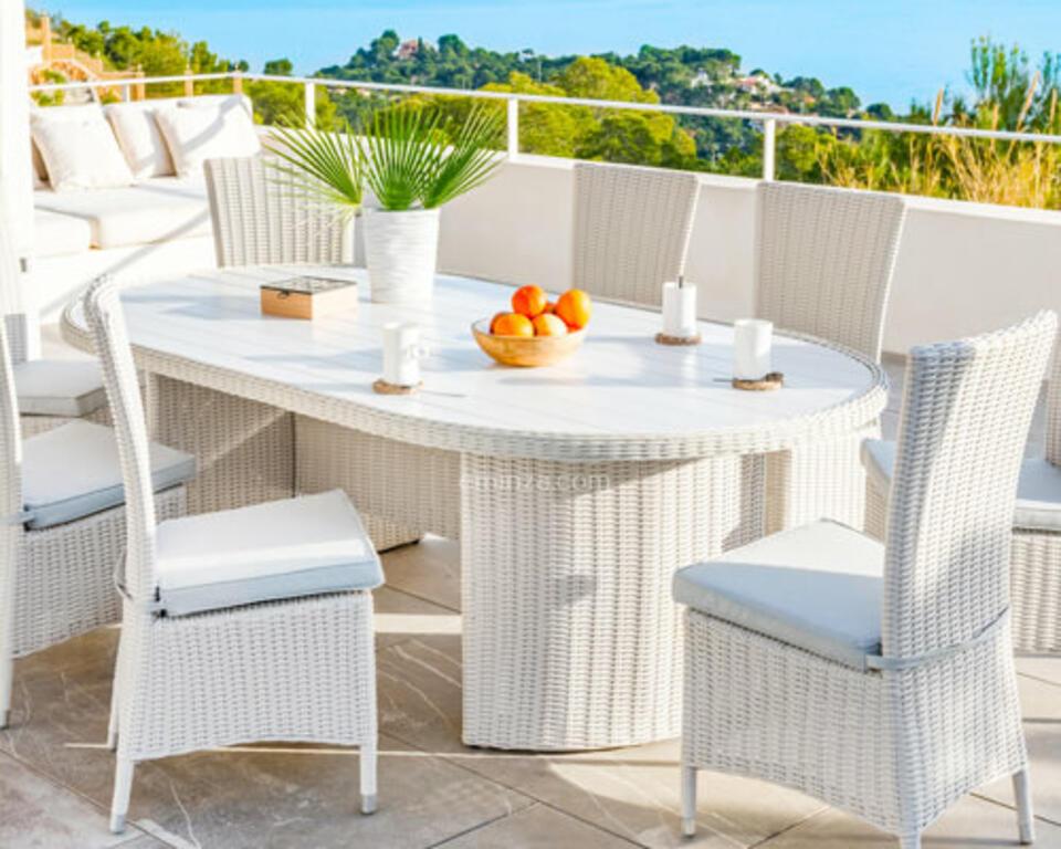 table de jardin en résine tréssée blanche