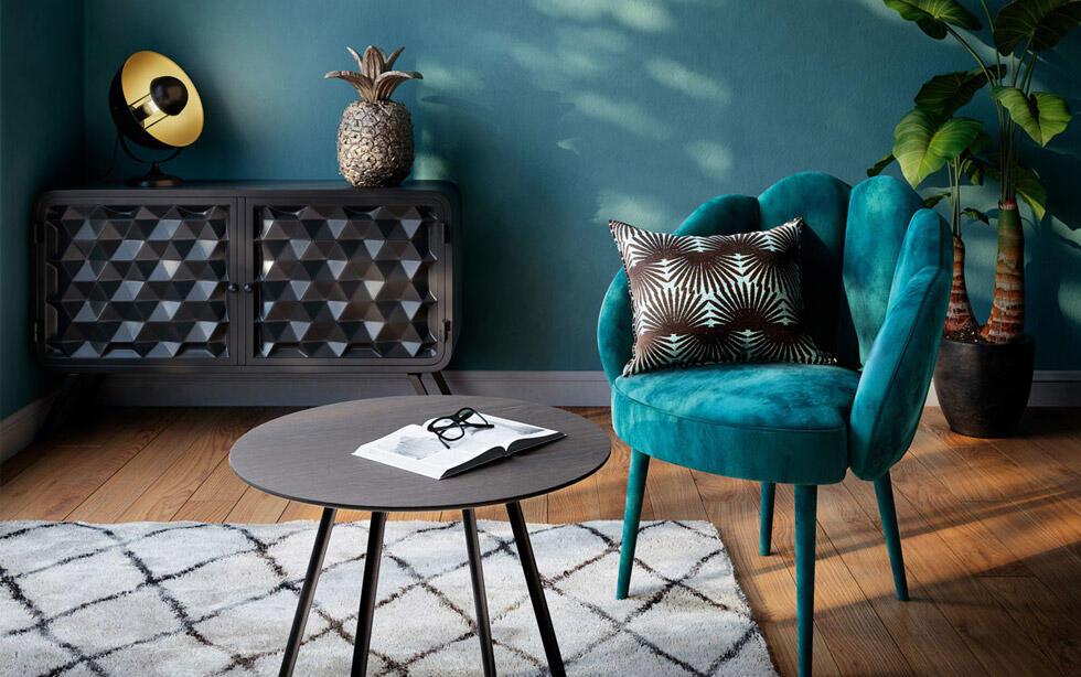 salon tendance avec fauteuil bleu canard