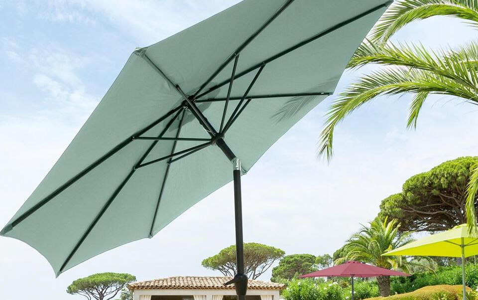parasol vert d'eau inclinable