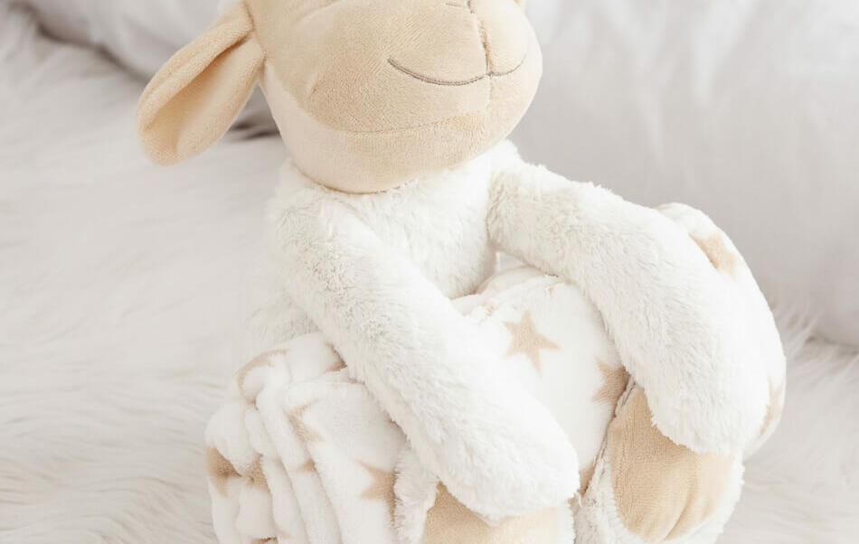 2en1 peluche mouton et plaid étoiles