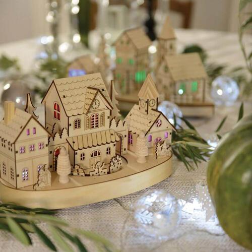 villaggio  natalizio luminoso in legno