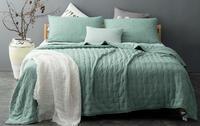 lit et boutis vert eau