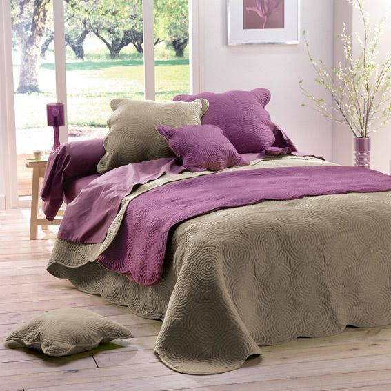 couvre lit matelass boutis sable couvre lit boutis. Black Bedroom Furniture Sets. Home Design Ideas