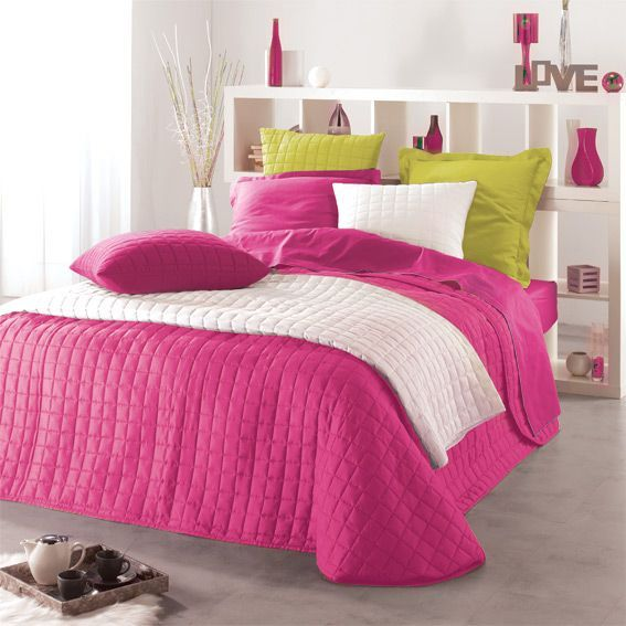 couvre lit 240 x 220 cm matelass venus fuchsia couvre lit boutis eminza. Black Bedroom Furniture Sets. Home Design Ideas