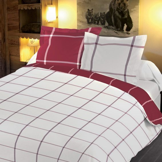 housse de couette et deux taies 260 cm carreaux rouge housse de couette eminza. Black Bedroom Furniture Sets. Home Design Ideas