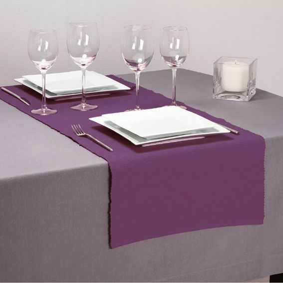 chemin de table violet cotel chemin de table eminza. Black Bedroom Furniture Sets. Home Design Ideas