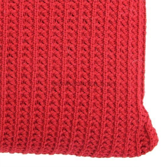 Coussin imitation fourrure tricot rouge coussin et - Housse de coussin en tricot ...
