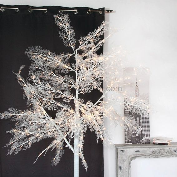 grand arbre lumineux peuplier blanc chaud arbre lumineux eminza. Black Bedroom Furniture Sets. Home Design Ideas