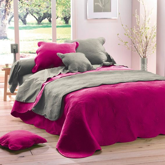 couvre lit matelass boutis fuchsia couvre lit boutis eminza. Black Bedroom Furniture Sets. Home Design Ideas