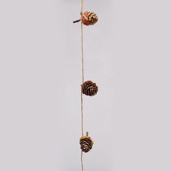 guirlande nature pommes de pin sauvages guirlande et. Black Bedroom Furniture Sets. Home Design Ideas