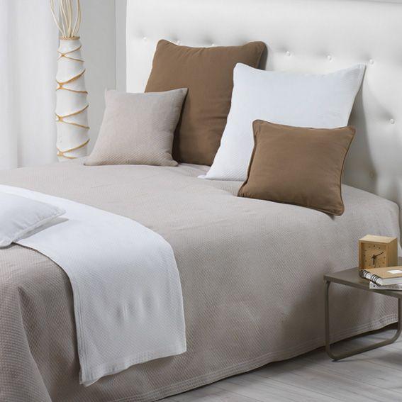 couvre lit 220 x 250 cm karoll lin couvre lit boutis eminza. Black Bedroom Furniture Sets. Home Design Ideas