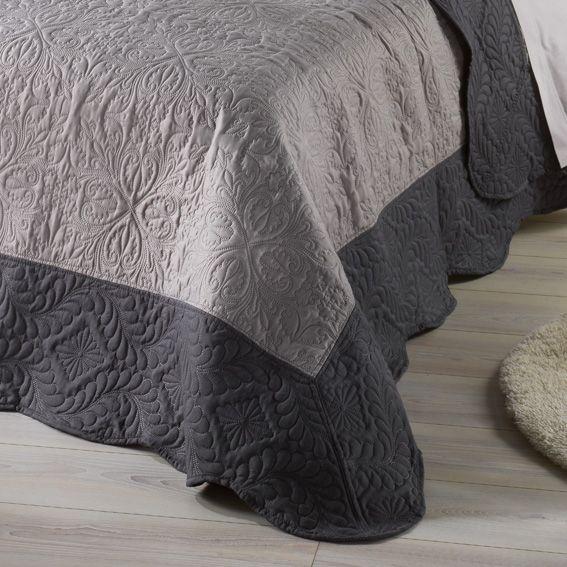 couvre lit 220 x 240 cm matelass emma anthracite couvre lit boutis eminza. Black Bedroom Furniture Sets. Home Design Ideas