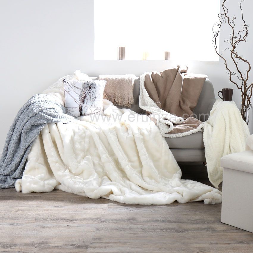 plaid franges effet mohair beige plaid cocooning eminza. Black Bedroom Furniture Sets. Home Design Ideas