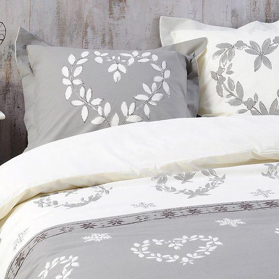 housse de couette et deux taies 240 cm valais taupe. Black Bedroom Furniture Sets. Home Design Ideas