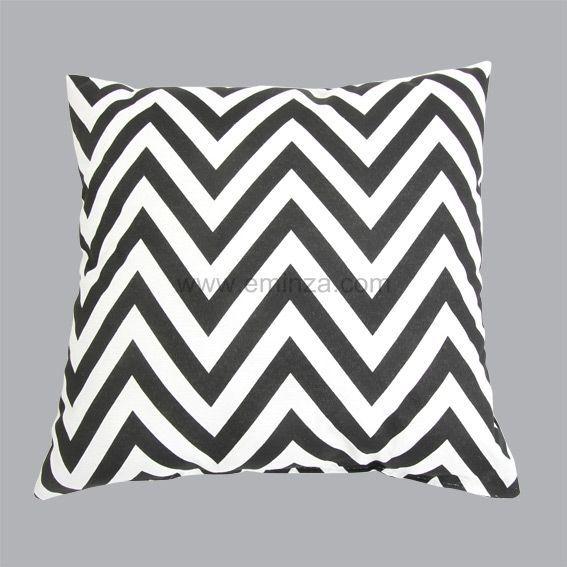 coussin dozer noir et blanc coussin et housse de coussin eminza. Black Bedroom Furniture Sets. Home Design Ideas