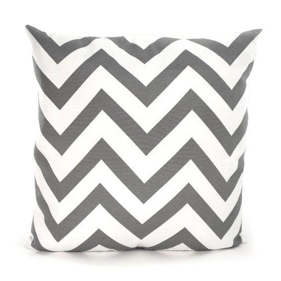 coussin lary chevron gris coussin et housse de coussin. Black Bedroom Furniture Sets. Home Design Ideas