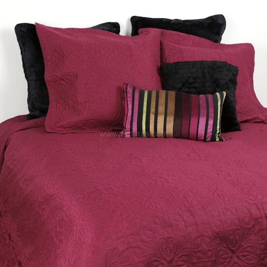 boutis et taies d oreiller 230 x 250 cm ceylan bordeaux couvre lit boutis eminza