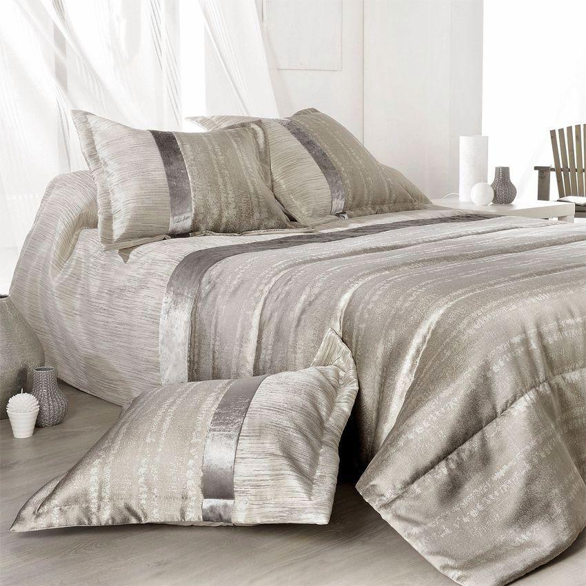 boutis et taies d 39 oreiller 250 x 260 cm plaza argent. Black Bedroom Furniture Sets. Home Design Ideas