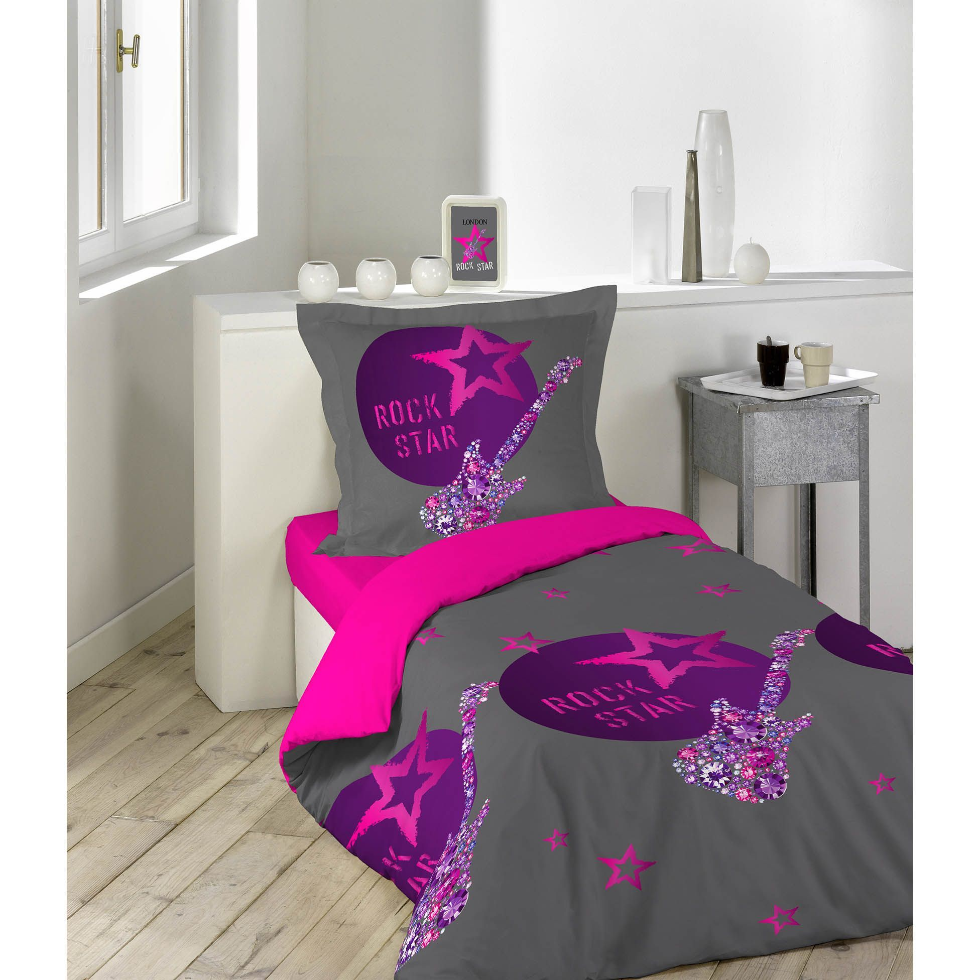 housse de couette et une taie 140 cm rock girl housse. Black Bedroom Furniture Sets. Home Design Ideas