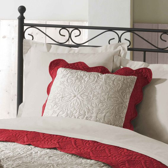 housse de coussin boutis 45 cm emma naturel et rouge. Black Bedroom Furniture Sets. Home Design Ideas