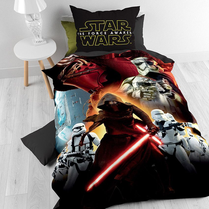 housse de couette et une taie 140 cm star wars total. Black Bedroom Furniture Sets. Home Design Ideas