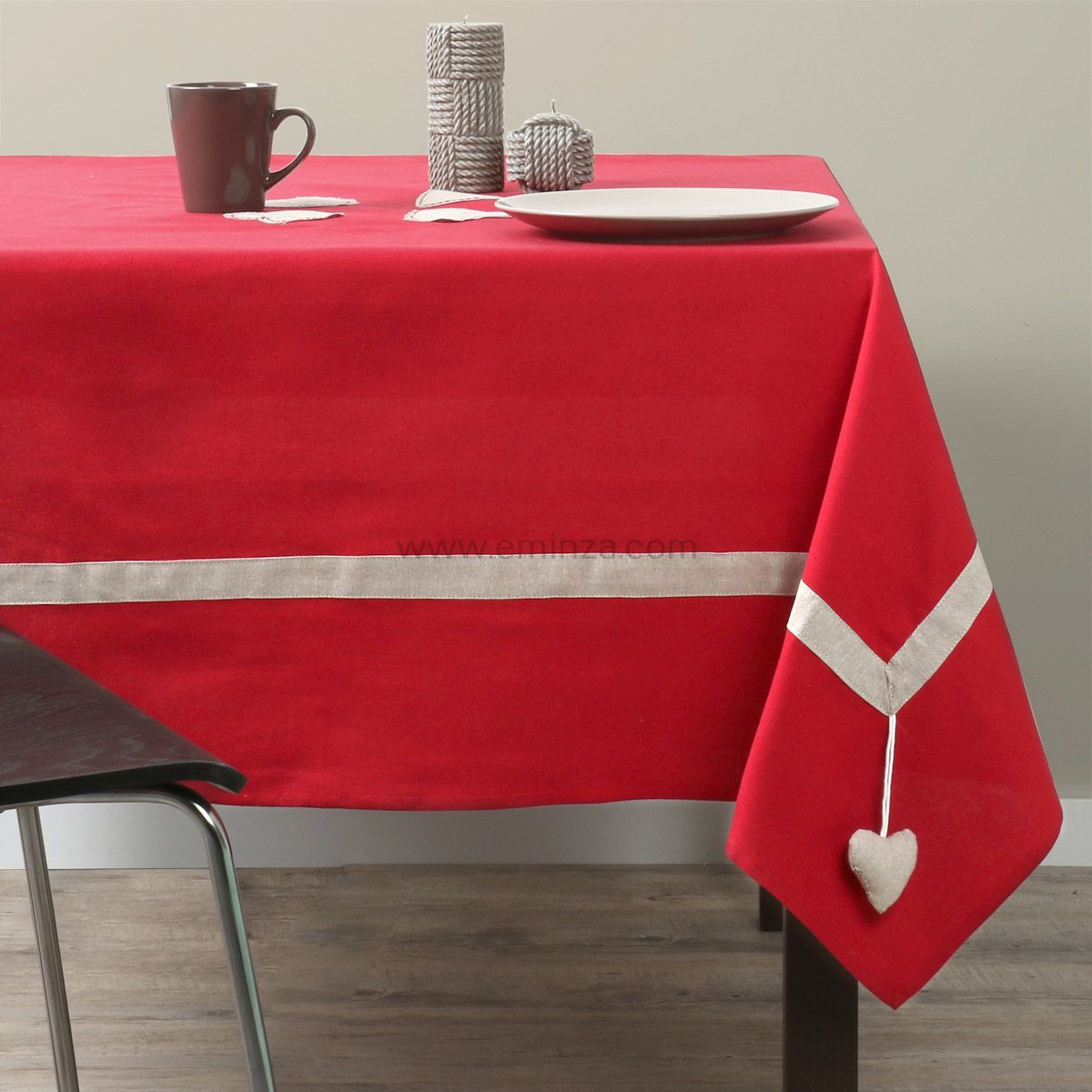nappe carr e joliesse rouge nappe de table eminza. Black Bedroom Furniture Sets. Home Design Ideas