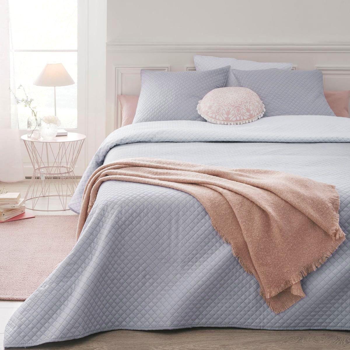 boutis et taies d 39 oreiller 240 x 260 cm diamant gris clair couvre lit boutis eminza. Black Bedroom Furniture Sets. Home Design Ideas