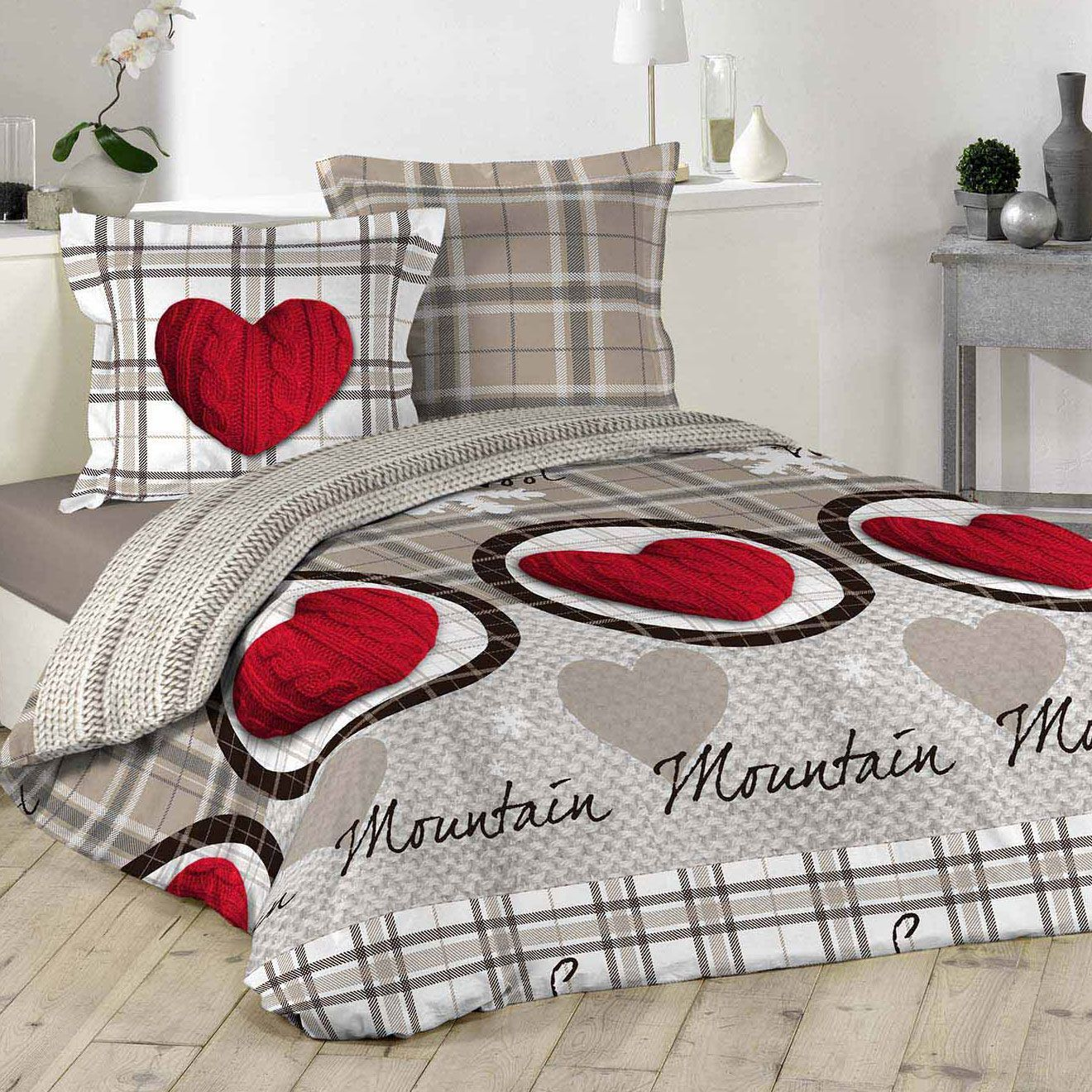 housse de couette et deux taies montagne 100 coton 260 cm rouge housse de couette eminza. Black Bedroom Furniture Sets. Home Design Ideas