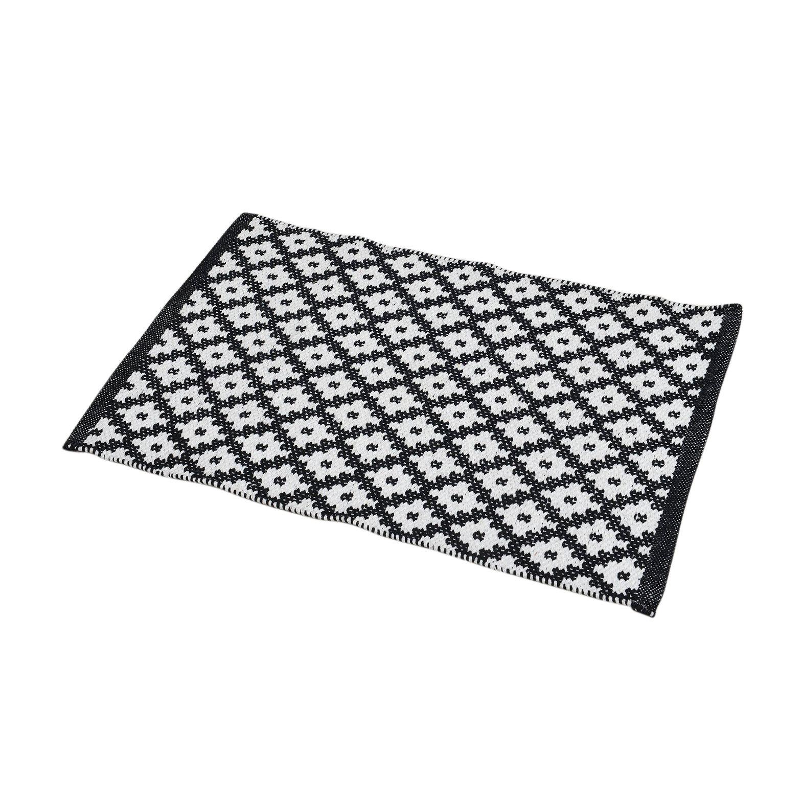 Tapis de bain ponge imprim losanges blanc et noir tapis salle de bain eminza - Tapis de bain noir et blanc ...