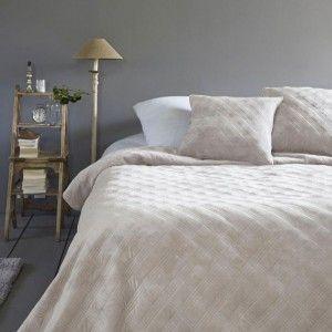 couvre lit frang gris couvre lit boutis eminza. Black Bedroom Furniture Sets. Home Design Ideas
