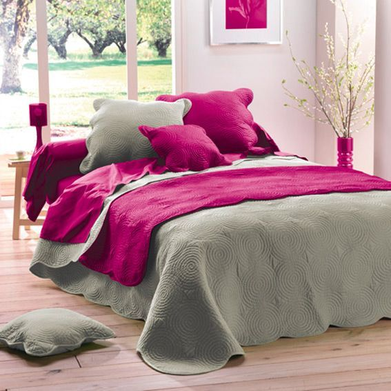 couvre lit matelass boutis lin linge de lit eminza. Black Bedroom Furniture Sets. Home Design Ideas
