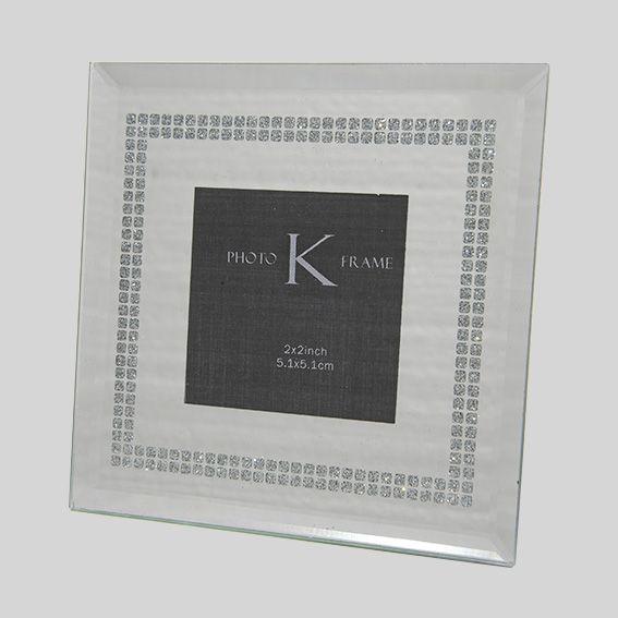 petit cadre photo miroir cadre photo et tableaux eminza. Black Bedroom Furniture Sets. Home Design Ideas