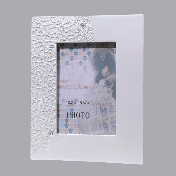 cadre photo dentelle blanc cadre photo et tableaux eminza. Black Bedroom Furniture Sets. Home Design Ideas