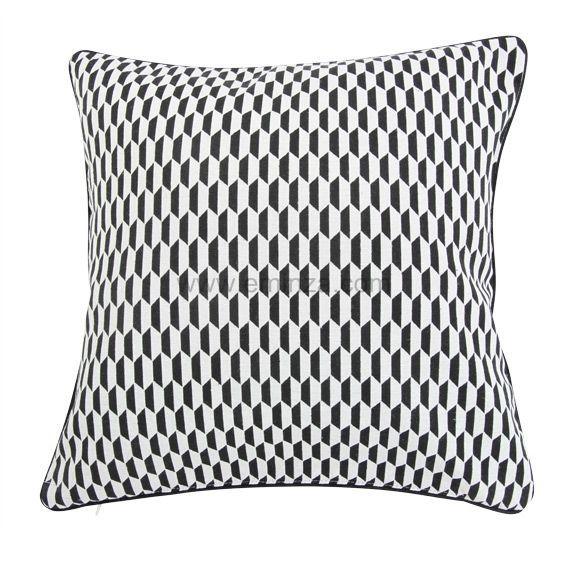 coussin et housse de coussin noir style graphique coussin et galette eminza. Black Bedroom Furniture Sets. Home Design Ideas