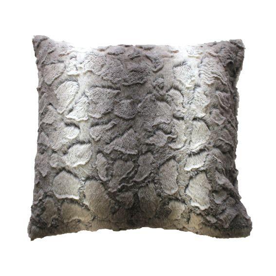 coussin imitation fourrure gris coussin et housse de coussin eminza. Black Bedroom Furniture Sets. Home Design Ideas