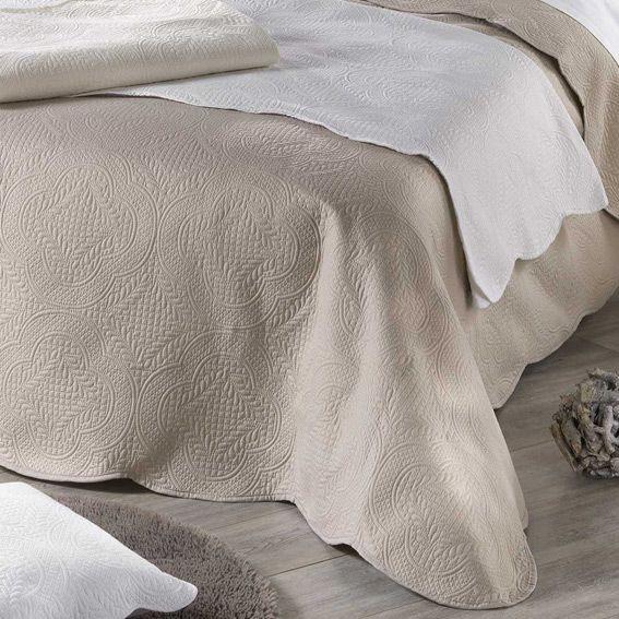 couvre lit 220 x 240 cm matelass melissa lin linge de lit eminza. Black Bedroom Furniture Sets. Home Design Ideas