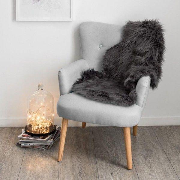 tapis peau de b te 90 cm imitation fourrure gris tapis eminza. Black Bedroom Furniture Sets. Home Design Ideas