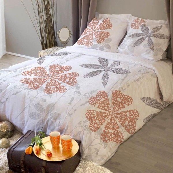 housse de couette et deux taies 260 cm design boh me blanc housse de couette eminza. Black Bedroom Furniture Sets. Home Design Ideas