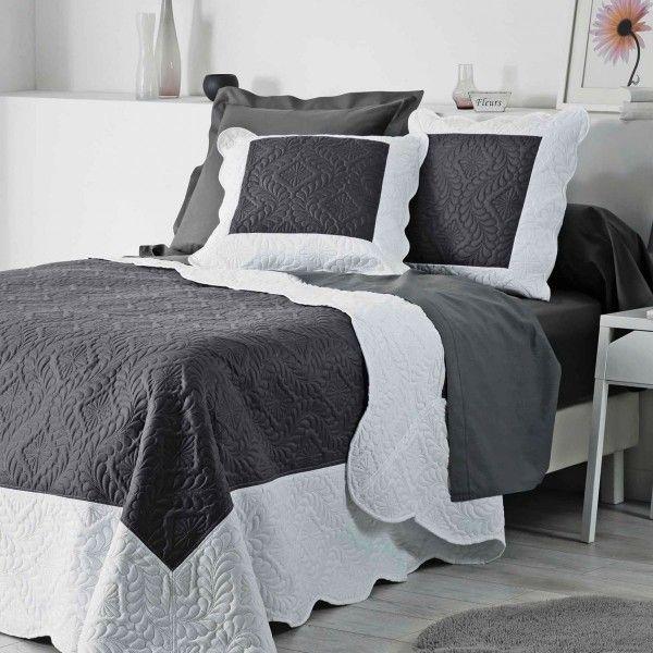couvre lit bleu marine couvrelit en coton pas cher with. Black Bedroom Furniture Sets. Home Design Ideas