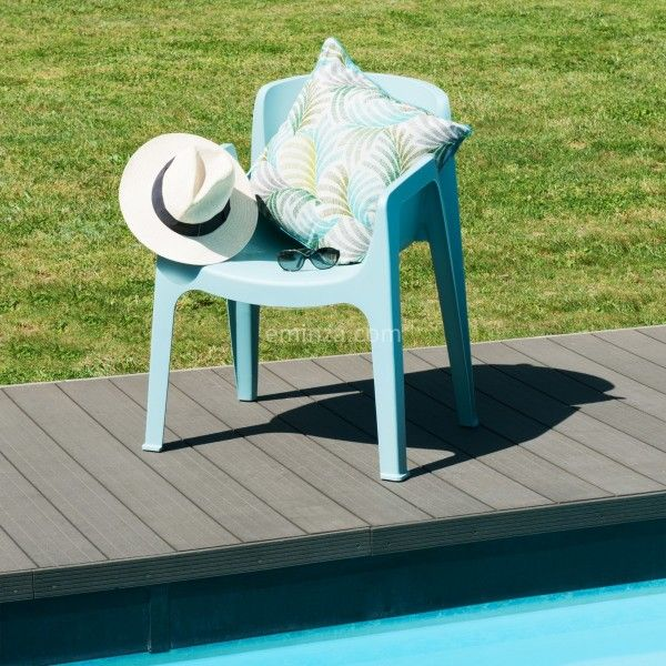 Chaise de jardin empilable new york bleu salon de jardin table et chaise eminza - Chaise de jardin empilable ...