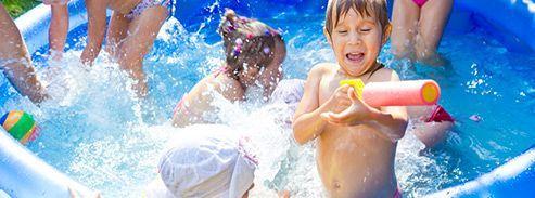 Jeu de piscines,il fait chaud, tous à l'eau !