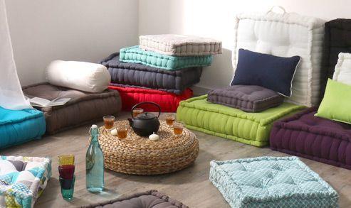 Coussin de sol : mixez les tailles et les couleurs