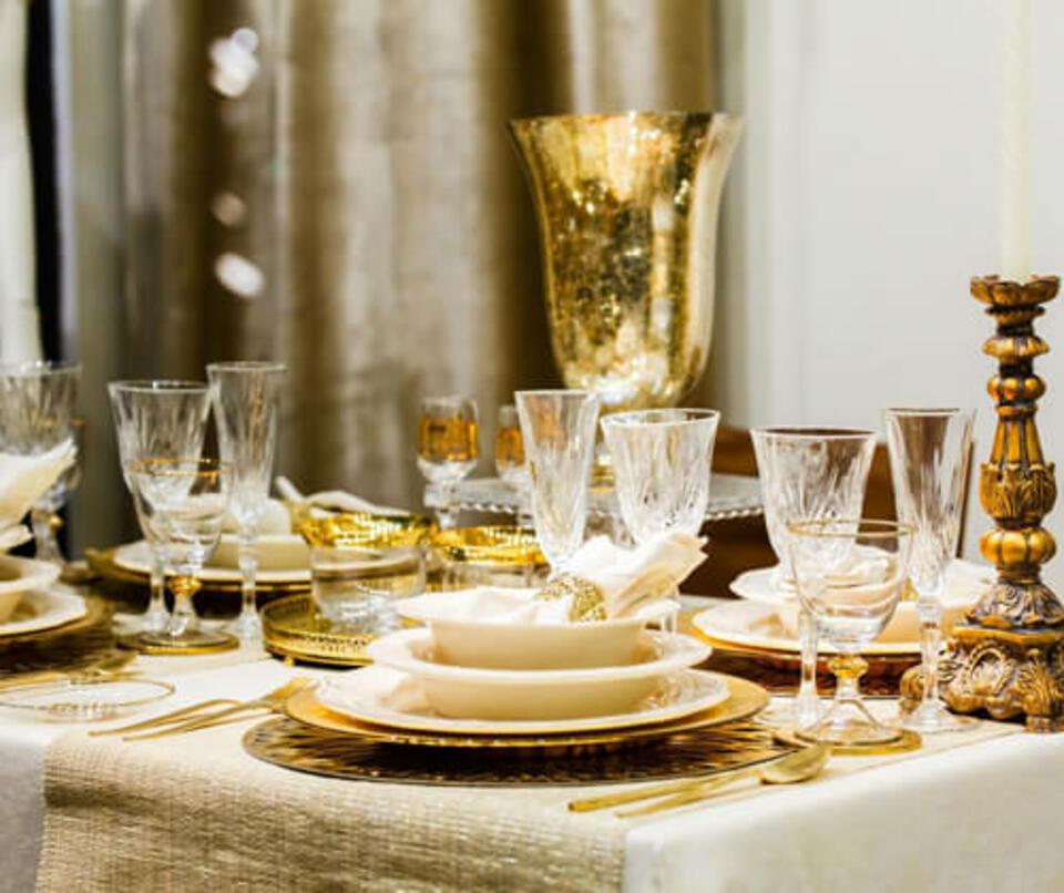 tavolo natalizio chic dorato