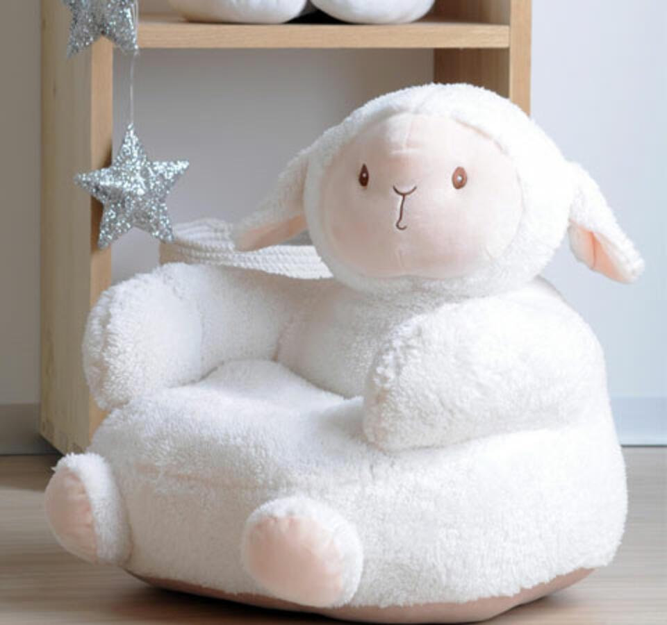 puf de oveja para la habitación del bebé